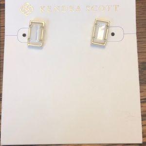 Kendra Scott Paola stud ivory color earrings NEW